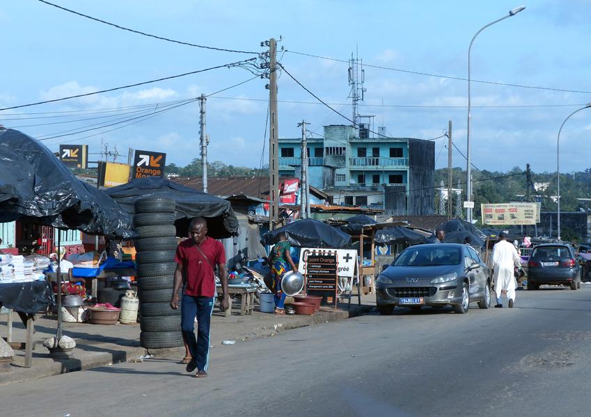 Le quartier d'Adjamé est celui où les commerces informels sont les activités majeures de la population